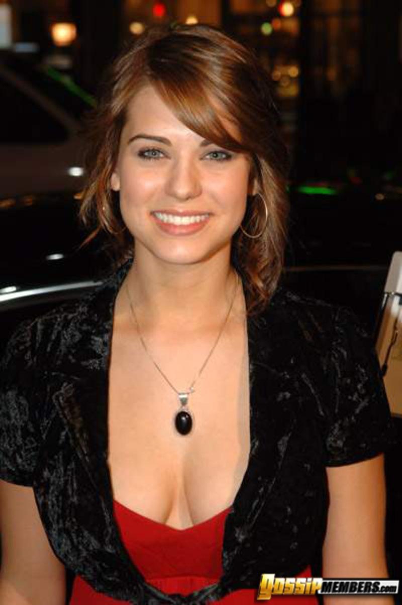 Линдси Фонсека, актриса, 24 года Прежде всего надо любить себя .