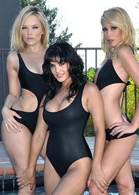 Very hot lesbian threesome