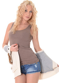 Lindsey Olsen - Ranch Hand