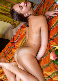 Oxana Shows Her Hot Body