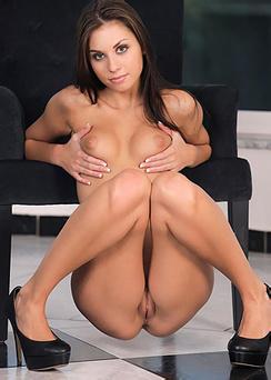 Sabrisse Nude Body