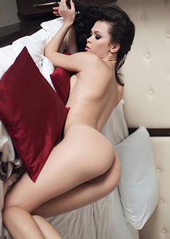 Milena Naked In Bed