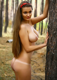 Sanya Naked Posing In Forest